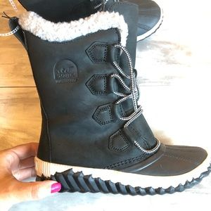 Sorel Out N About tall plus black boot 6
